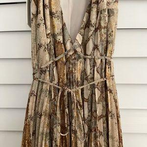 Never Worn Aritzia Strappy Dress